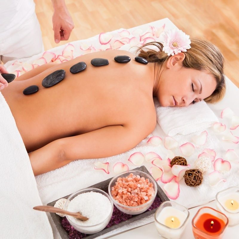 Floating und Hot-Stone Massage - Berlin